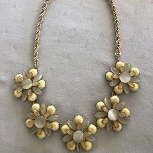 Banana Republic flower necklace